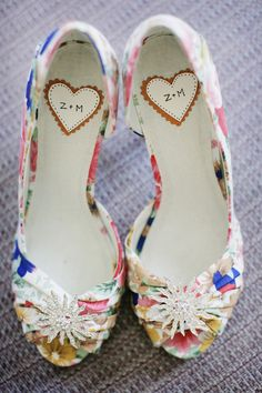 initials in her shoes! So cute! usually I don't like colored shoes for a wedding but these are adorable!