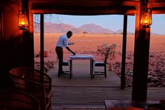 Wolwedans Dunes Lodge is in the heart of the Namib Desert, and the perfect trip into the African desert. Near it is also Wolwedans Boulders Camp and Private Honeymoon Style, Honeymoon Destinations, Vacation Trips, Dream Vacations, Time Travel, Places To Travel, Travel Pictures, Beautiful Places, Amazing Places