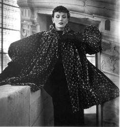 Model is wearing a coat by Cristóbal Balenciaga.  Photo Henry Clarcke 1950