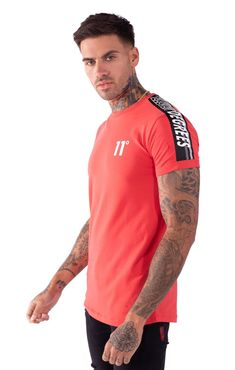 Taped muscle fit t-shirt - hot red Mens Fashion Sweaters, Denim Fashion, Pant Shirt, Shirt Outfit, Workout Routine For Men, Workout Men, Mens Polo T Shirts, Men's Fitness, Muscle Fitness