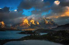 Gorgeous Photos of Sunshine Hitting Mountains in Patagonia - My Modern Met