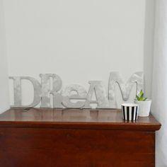 Scritta Dream da appendere alle pareti o da appoggiare su un mobile, tipo madia. Realizzazioni in alluminio spazzolato, realizzate artigianalmente 100 % made in Italy. Si realizzano scritte personalizzate. Per un preventivo contattaci tramite il nostro sito www.comprocomodo.it #scritte #decorazioni#decorazionecasa #arredocasa #arredomoderno#comprocomodo #arredamento #idee #alluminio #dream #madia