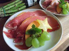 Entrée melon Jambon de Bayonne - petit verre de Porto blanc à ajouter à l'assiette! :)