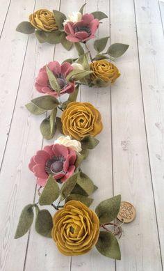 Fall Flower Garland - Autumn Flower Decor - Felt Flower Garland - Teepee Floral Attachment - Boho F Felt Flower Wreaths, Felt Wreath, Flower Garlands, Felt Flower Diy, Felt Flower Bouquet, Witch Wreath, Wreath Fall, Door Wreath, Fall Flowers