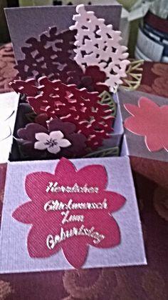 Mit Liebe selbstgemacht von Petra Heinrich. Card in a Box. Alle Materialien sind von Stampin up. Wald der Worte / Thoughtful Branches. Blütenstanze.