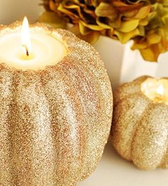 Glitter Pumpkin Candles for Tablescapes & Decorating for Autumn. Halloween, Thanksgiving, etc Fall Halloween, Halloween Crafts, Halloween Decorations, Glitter Decorations, Halloween Ideas, Halloween Party, Halloween Clothes, Halloween Season, Costume Halloween