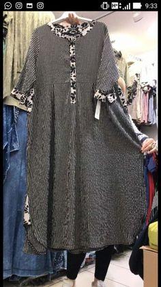 Kurti Designs Party Wear, Kurta Designs, Blouse Designs, Stylish Dress Designs, Stylish Dresses, Casual Dresses, Hijab Fashion, Fashion Dresses, Woman Dresses
