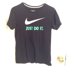Nike Slim Fit Tee This is a navy blue X-Large Nike Tee. It is in like new condition. Great for working out or just lounging around! Nike Tops Tees - Short Sleeve