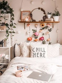 gorgeous cozy dorm room ideas you'll want to copy 15 ~ mantulgan.me gorgeous cozy dorm room ideas you. Room Ideas Bedroom, Home Bedroom, Cheap Bedroom Ideas, Bedroom Designs, Modern Bedroom, Bedroom Inspo, Bedroom Wall, 1980s Bedroom, Quirky Bedroom