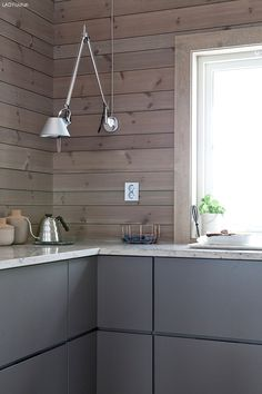 Love the morninglight in my Kitchen.wish You all a beautiful weekend. Nordic Home, Scandinavian Home, Home Ceiling, Ceiling Lights, Log Home Kitchens, Interior Stylist, Wooden House, Morning Light, Log Homes