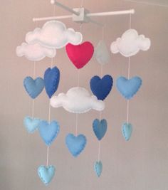 https://www.etsy.com/de/listing/211369731/baby-mobile-cot-mobile-clouds-and-hearts?ref=sr_gallery_11