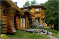 house of logs and stone Cottage In The Woods, House In The Woods, Cabin Homes, Log Homes, Patagonia, San Martin, House Built, Wooden House, Places Around The World