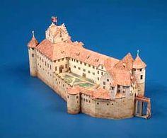 Maquetas de castillos para montar con recortables Castillo Bodiam, Medieval, Train, Mansions, House Styles, Neuschwanstein Castle, Middle Ages, Zaragoza, Palaces