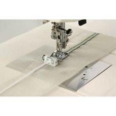Как пользоваться дополнительными лапками для швейных машин JANOME и FAMILY.. Обсуждение на LiveInternet - Российский Сервис Онлайн-Дневников Couture, Rubrics, Sewing, Janome, Ideas, Tips, High Fashion, Dressmaking, Sew