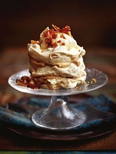 Healthier Meal Recipes For A Healthier You - My Website Christmas Food Treats, Christmas Desserts, Delicious Desserts, Dessert Recipes, Yummy Food, Macarons, Mousse, Winter Desserts, Pavlova