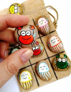 Tic Tac Toe game with crab and jellyfish, hand-painted stones, natural beauty . - Tic Tac Toe game with crabs and jellyfish, hand-painted stones, natural beauty toys – kids – - Kids Crafts, Summer Crafts, Diy And Crafts, Arts And Crafts, Easy Crafts, Jellyfish Quotes, Jellyfish Facts, Jellyfish Tank, Jellyfish Drawing