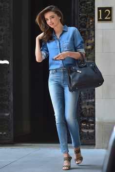 Miranda Kerr dons double denim and her favourite leopard print heels Estilo Miranda Kerr, Miranda Kerr Style, Miranda Kerr Hair, Double Denim, Look Fashion, Fashion Outfits, Womens Fashion, Celebrity Dresses, Celebrity Style