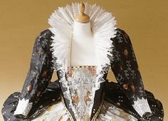 Looking forward to seeing the paper fashion exhibit by Isabelle de Borchgrave at the Bellevue Art Museum (through Feb. 16, 2014)