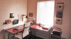 Design V.I.P. - Le bureau d'Anouk Meunier Home Office, Corner Desk, Photo Galleries, Interior Design, Furniture, Home Decor, Home Ideas, House Beautiful, Wall