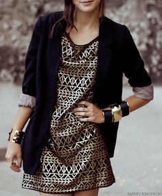 love the dress, and the boyfriend blazer really dresses it down for day...