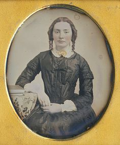 Vintage Photos Women, Antique Photos, Vintage Photographs, Retro Pictures, Old Pictures, Old Photos, Historical Clothing, Historical Photos, Victorian Photography