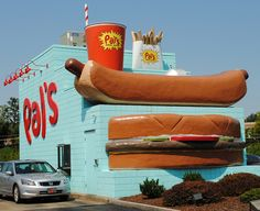 Best food ever thank God we have Pal's.......a hometown favorite :-). This is iconic in Kingsport!!  Best damn chilli digs EVER!!!