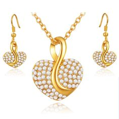 One of the classical options to get the trendy appeal for any occasion is fashioned #Necklaces_for_Women that gets you that little extra class of exuberance like no other choice. Perfected, these necklaces can be mesmerizingly beautiful as compared to any other conventional choices.