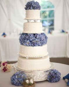 Pretty wedding cake