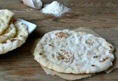 Il naan bread veloce, pane tipico indiano, ho voluto prepararlo anche con lievito istantaneo per qualche volta che avevo bisogno di pane all'ultimo minuto ed è comunque un ottima alternativa.