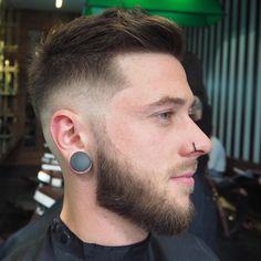 Confira mais de 80 cortes de cabelo masculino 2017 para cabelos curtos, apesar de parecer limitado há muitas dicas de estilo para homens de todas as idades.