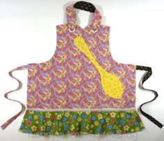 Top 10 Apron Sewing Ideas; also see video for reversible apron at http://video.wpt2.org/video/2112504555/
