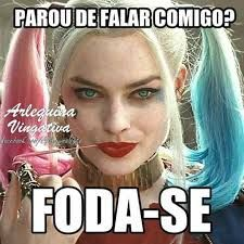 Resultado de imagem para frases da arlequina para falsiane Best Memes, Funny Memes, Kratos God Of War, Geek Humor, Beautiful Words, Harley Quinn, Haha, Dj, Tumblr