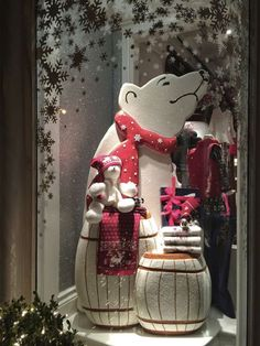 """Celebrating the incredible and not so incredible display windows of new york city"" Fall Store Displays, Store Window Displays, Christmas Store, Noel Christmas, Xmas, New Years Decorations, Christmas Decorations, Holiday Decor, Store Design"