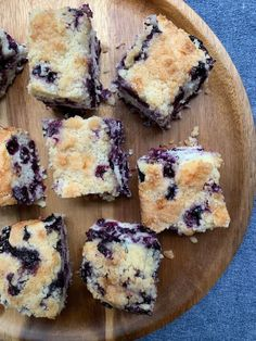 The Best Alton Brown Recipe *Isn't* the One You're Thinking Of (Kitchn Alton Brown, Blueberry Desserts, Just Desserts, Blueberry Cake, Blueberry Ideas, Blueberry Crumble, Blueberry Breakfast, Breakfast Cake, Delicious Desserts