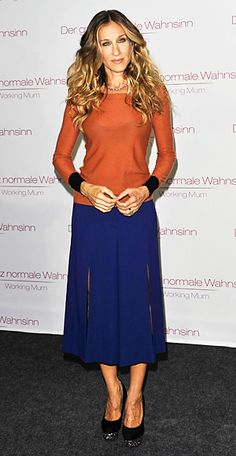 colorblocking instyle.com  Separates—Sarah Jessica Parker  The always-experimental Sarah Jessica Parker paired her burnt umber Sonia Rykiel sweater with the designer's navy slit culottes.