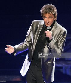 Barry Manilow performs in concert to Benefit The Breast Cancer Research Foundation at the Nassau Coliseum on February 2009 in Uniondale, New York. Get premium, high resolution news photos at Getty Images Nassau Coliseum, Barry Manilow, Music Icon, Great Memories, Music Artists, Breast Cancer, The Man, Benefit, Take That