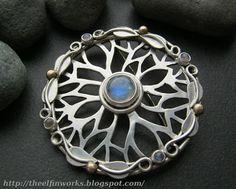 Large round brooch sterling silver blue rainbow von ElfinWorks