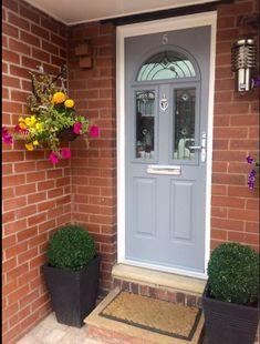 Front door entrance puertas Ideas for 2019 Victorian Front Doors, Grey Front Doors, Front Doors With Windows, Front Door Entrance, Painted Front Doors, House Front Door, Front Door Colors, Bow Windows, Door Entryway