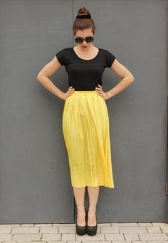Here comes the sun #canary skirt