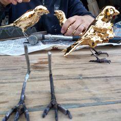 #artwork #birds #ceramic #mailoca #contemporaryart #homedecor #interior #decorating #gold #cabiancadellabbadessa