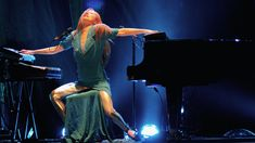 how many people do you know that can play 2 pianos at the same time and make it sound awesome... Tori Amos...