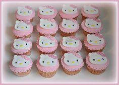 Virginias Cake: Cupcake Hello kitty
