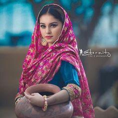 World Ethnic & Cultural Beauties: Photo Punjabi Girls, Punjabi Dress, Punjabi Suits, Indian Attire, Indian Wear, Indian Dresses, Indian Outfits, Namaste, Punjabi Culture