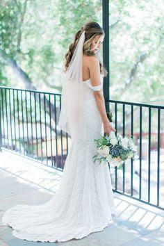 1909 Topanga Wedding in Malibu / Los Angeles California Wedding Photographer Loie Photography / Watters Wtoo Wedding Dress / Succulent Bouquet