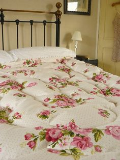 Vintage Inspired Roses & Polka Dots Feather bed Eiderdown Quilt Comforter