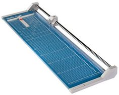 Dahle 556 Professional Rolling Trimmer - http://www.newofficestore.com/dahle-556-professional-rolling-trimmer/
