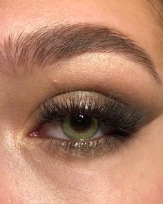 maquiagem rápida makeup videos eyes Eye Makeup Tips Subtle Eye Makeup, Makeup Eye Looks, Eye Makeup Steps, Natural Eye Makeup, Natural Eyes, Skin Makeup, Makeup Tips, Makeup Tutorials, Makeup Art