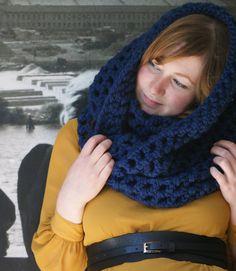 Dark blue oversized chunky infinity scarf