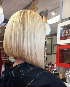 Love this Love this Long Bob Haircuts, Long Bob Hairstyles, Medium Hair Styles, Short Hair Styles, Lob Haircut, Mi Long, Gorgeous Hair, Short Hair Cuts, New Hair