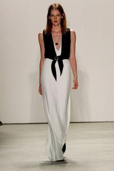 Jenny Packham S/S '16 Runway Fashion, Fashion Models, High Fashion, Fashion Outfits, Fashion Trends, Style Fashion, Jenny Packham Dresses, Spring Summer 2016, Fashion Pictures
